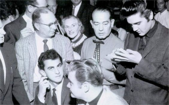 Georges ( red circle ) with Elvis in october 23 1957 in Las Vegas.