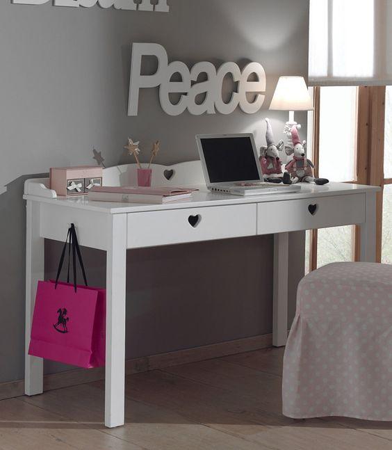 Vipack Furniture Schreibtisch »Amori« für 269,99€. Jugendschreibtisch mit 2 Schubkästen, Mit dekorativen herzförmigen Ausschnitten bei OTTO