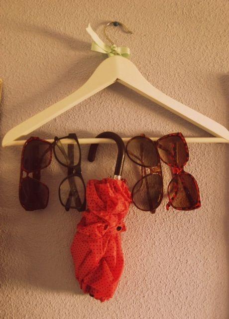 Una original manera de organizar tus gafas :)