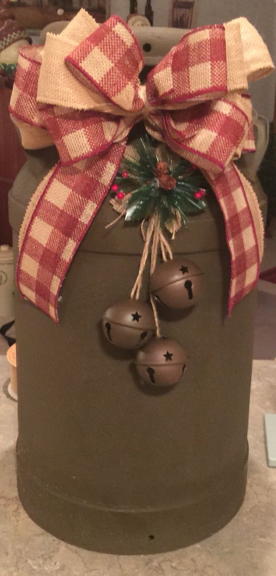 Rustic Christmas Milk Can Decor: