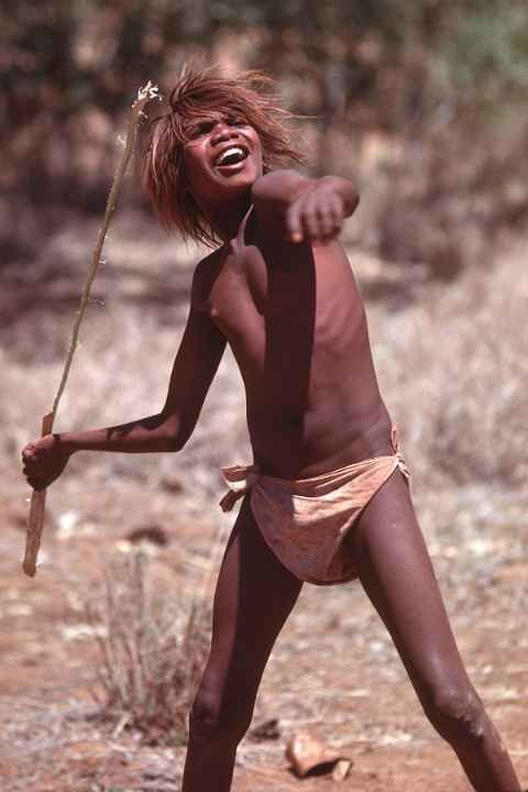 Javelin Spear Thrower Aboriginal Children Central Australia Outback Aboriginal Children Australia Kids Around The World