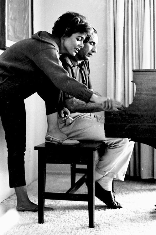 Anne Bancroft and Mel Brooks - I had never seen this picture before! How beautiful! <3