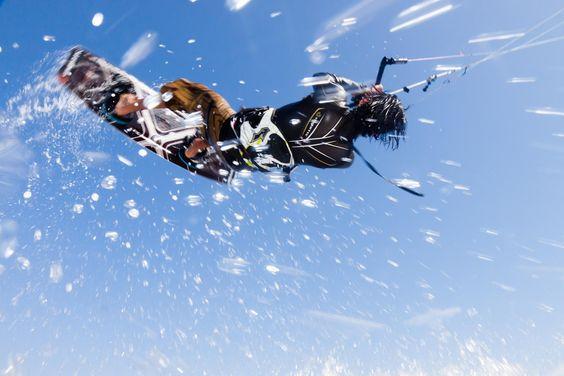 Flying spray by Reinout Smit