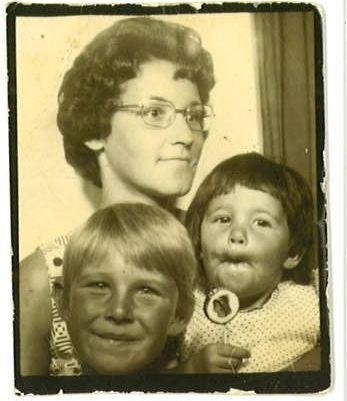 Love the old school photobooths!