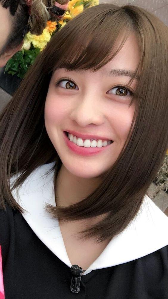 凄く笑顔な橋本環奈