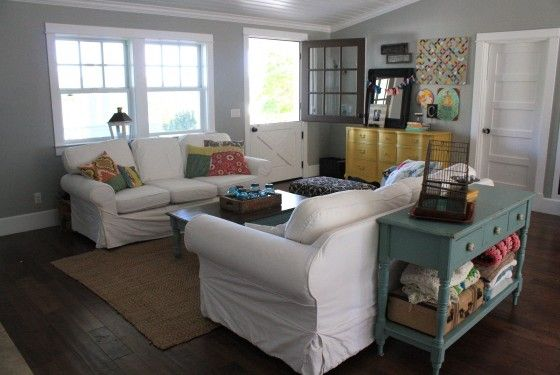 cute living room: Sofa Table, Sofas Comfy, Living Rooms, House Ideas, Wall Color, Room Ideas, Front Room, Family Room