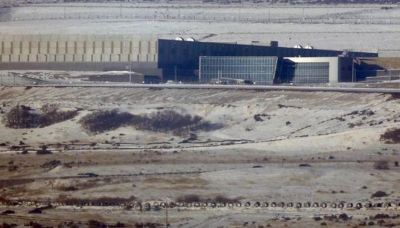 NSA : ESPIONNAGE ÉCONOMIQUE, LE SALE JEU AMÉRICAIN http://www.les4verites2brane.com/nsa-espionnage-economique-le-sale-jeu-americain…