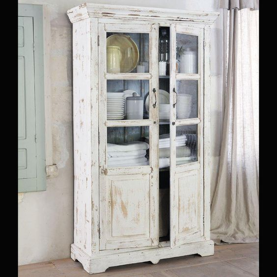 MM121423 festett patinas szekreny talalo etkezo konyha feher krem vitrines tomorfa asztalos gyartas egyedi meret fapadlo.jpg (1000×1000)
