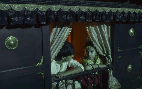 Bulbbul Movie Anvitadutt S Debut Of Dark Fairytale Horror Movies Movie Screenshots Movie Plot