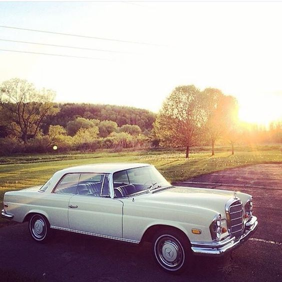 Perfect Setting - W111 Coupe -
