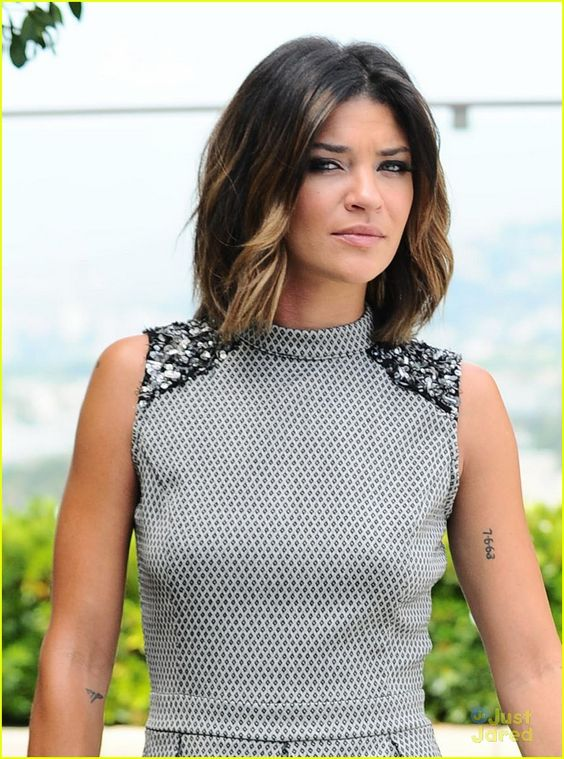 Coupe au carr tie and dye l ger avec quelques m ches blondes jessica szohr hair - Coupe carre tie and dye ...