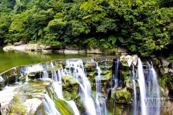 十分瀑布 - Shifen Waterfall; New Taipei City, Pingxi District