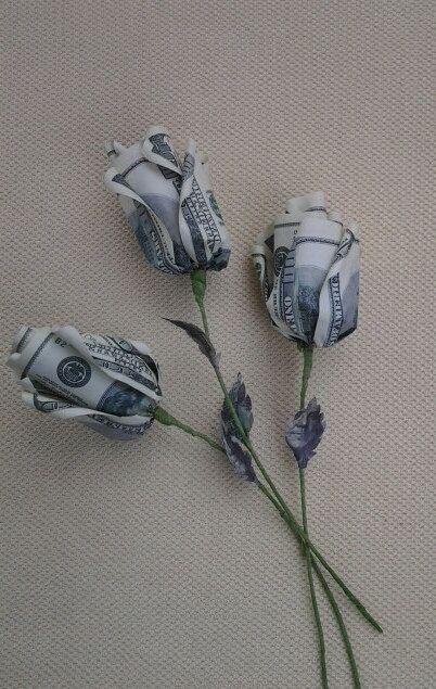 Origami-Blumen-Rosen. Geld-Blume Geschenk Glück von kirishkin