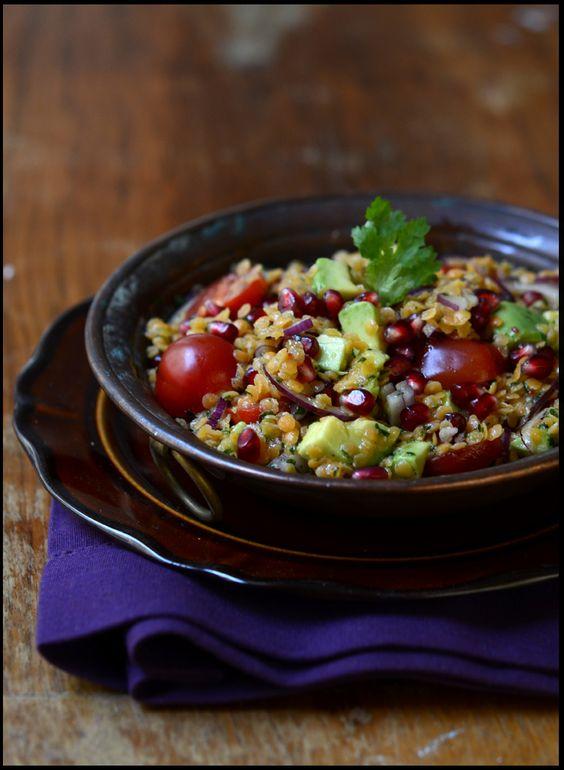 salat med granateple, rødelinser og avokado