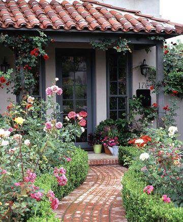 Gardens walkways and cottages on pinterest for Mediterranean cottage style