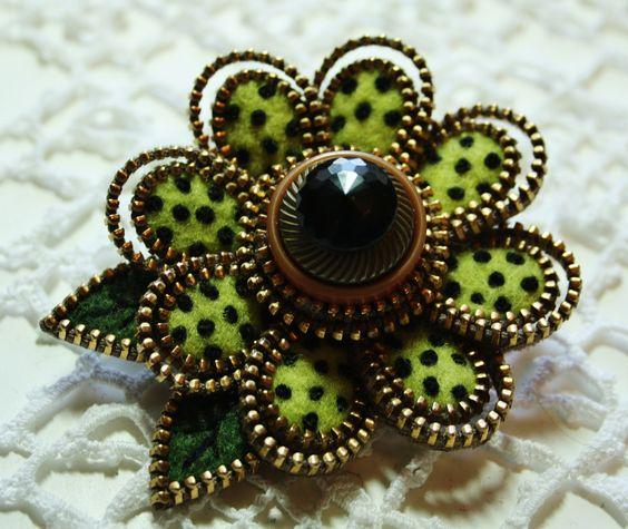 lime green felt and zipper brooch - 2