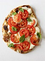 Bethenny's Roasted Garlic Flatbread Pizza by health.com: Only 105 calories/slice #Pizza #Garlic #Diet