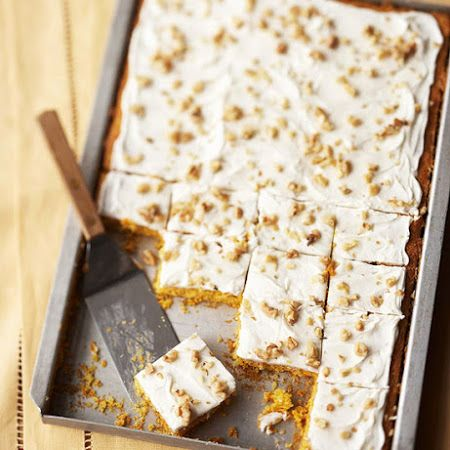 No fork needed! Check out these #carrotcake bars