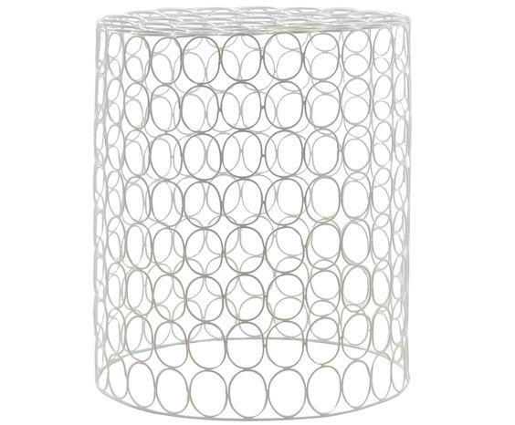 Ergänzen Sie Ihren Wohnraum mit praktischen Beistelltischen. Modell LOUIS sorgt mit seiner Zylinder-Form für glanzvolle Highlights. Das kunstvolle Gestell von LOUIS steigert zusätzlich den Deko-Faktor in jedem Raum.