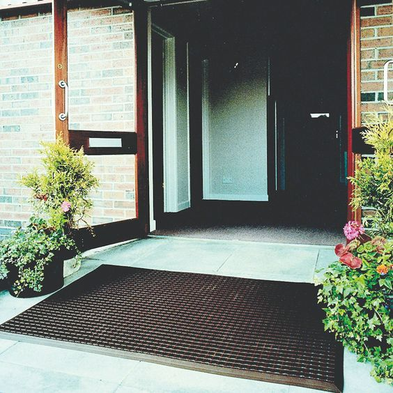 Model ES-0101 #Entramat Made from flexible #PVC extrusions #Cross-ribbed surface scrapes dirt from shoes Easy to clean - shake or hose down Bevelled edges help prevent trips over the mat Colours grey, brown and black. See more at: http://shop.hsil.co.uk/p-3536-entramat.aspx#sthash.jjwsaW6p.dpuf