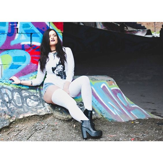 SBR cartel clothing @philippecartel - @mikaylaym #skatepark #modelling #makeup #artist #art #skate #graffiti #eastvan #vancouver #northvancouver #sbrcartel #philippcartel #photography #model #photoshoot #blackandwhite #streetwear #fashion #leather #me #mua #platform #lamoda #shoes