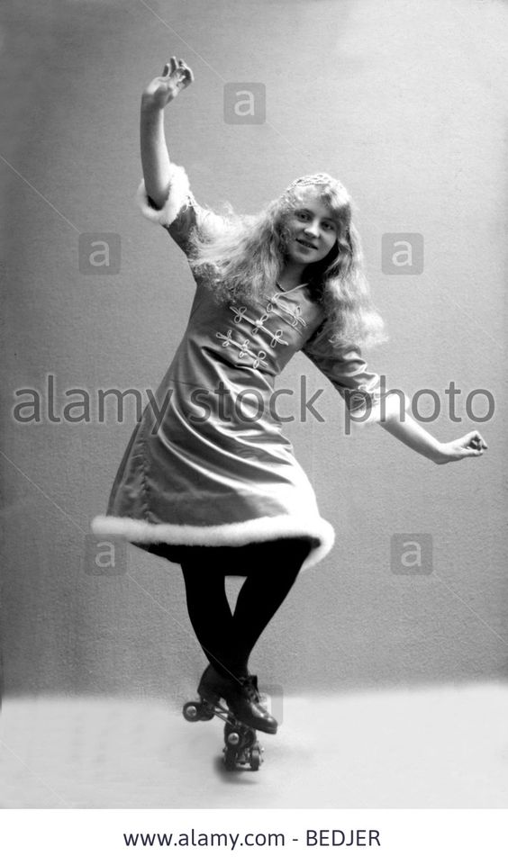 Historic photograph, woman on roller skates, around 1915 - Germany