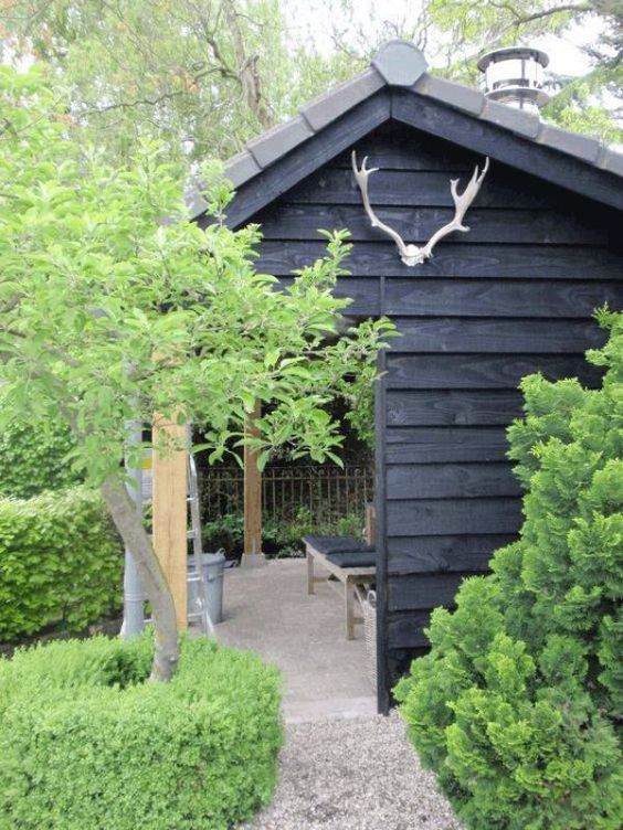 I like this Tremendous Shed! - backyard makeover with B&Q...