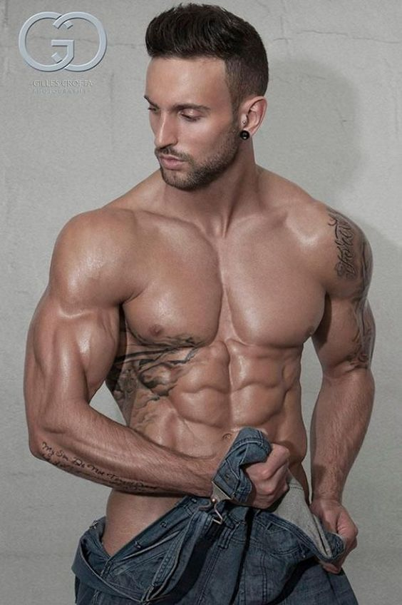 Not a whole lot of #body fat on this guy. Repinned by @Jared Randall Randall Toay http://beafitnessfreak.weebly.com