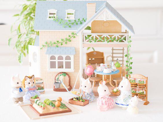 Notre petit cottage Anglais ! Le thé est sur la table, on n'attend plus que vous ! @sylvanianfamili: