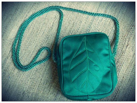 Mini leaf tote