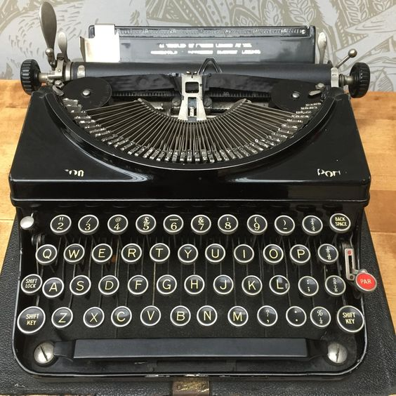 Typewriters for sale - the vintage wren