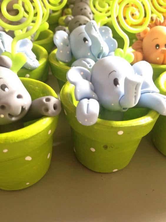 lembrancinhas safari para maternidade ou aniversario!  Os bichinhos podem ser variados  Atenção aos prazos de entrega!  Acompanha saquinho e fitinha.