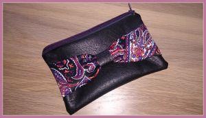 Un DIY petite pochette est sur le blog angelcrea.wordpress.com, histoire de faire de jolies choses pour offrir à noël :)