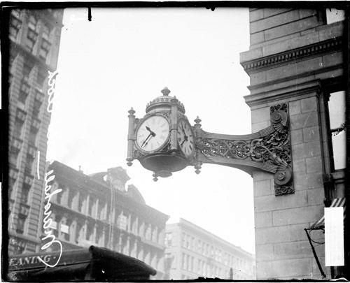 Clock 1907