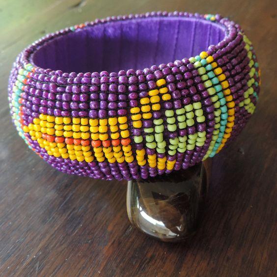 Bracelet d'inspiration Massaï en perles de rocailles de la boutique DLVjewells sur Etsy