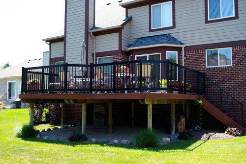 R3000 aluminum railing on rear deck.