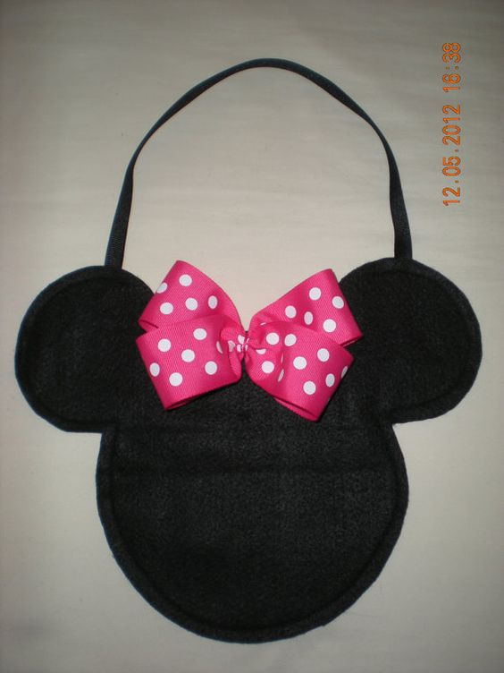 Hey, I found this really awesome Etsy listing at http://www.etsy.com/listing/128740767/10-bags-inspired-in-minnie-mouse-for