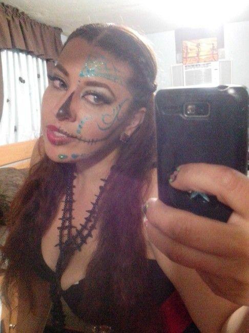 yo con un poquito de maquillaje de fantasía