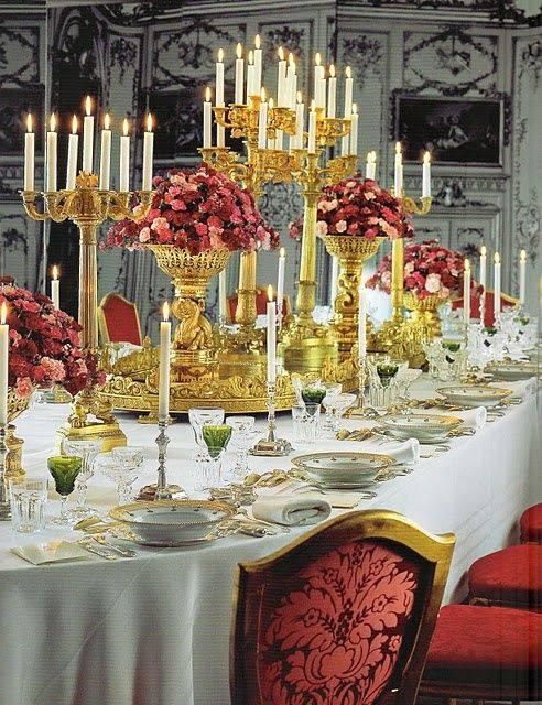 40 Luxurious Grand Foyers For Your Elegant Home: Grand And Luxurious Wedding Reception Tablescape! Keywords