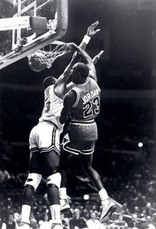 Jordan dunks on Ewing!