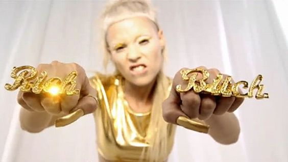 Dayna Uyeda's Die Antwoord Project on Strikingly