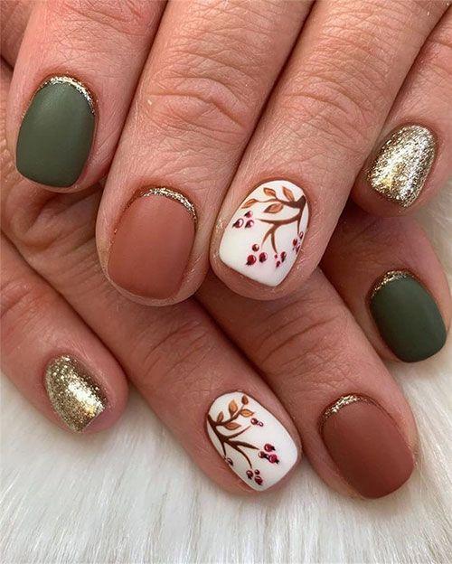 Fall Design For Short Nails In 2020 Fall Leaves Nail Art Fall Nail Art Thanksgiving Nails