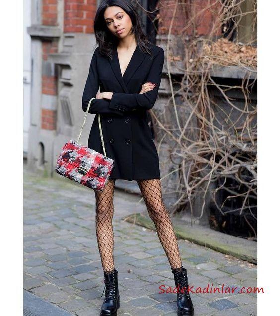 File Corap Ile Kiyafet Kombinleri Siyah Kisa Ceket Elbise Siyah File Corap Siyah Postal Bot Moda Stilleri Postal Elbise