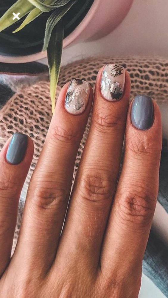 Маникюр с фольгой: 30 идей дизайна ногтей на любой вкус