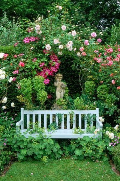Delightful Cottage Garden. Beautiful backyards: