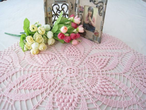 crochet orchid pink round doily water lily pattern lace tablecloth shabby chic table centerpiece bedroom decor