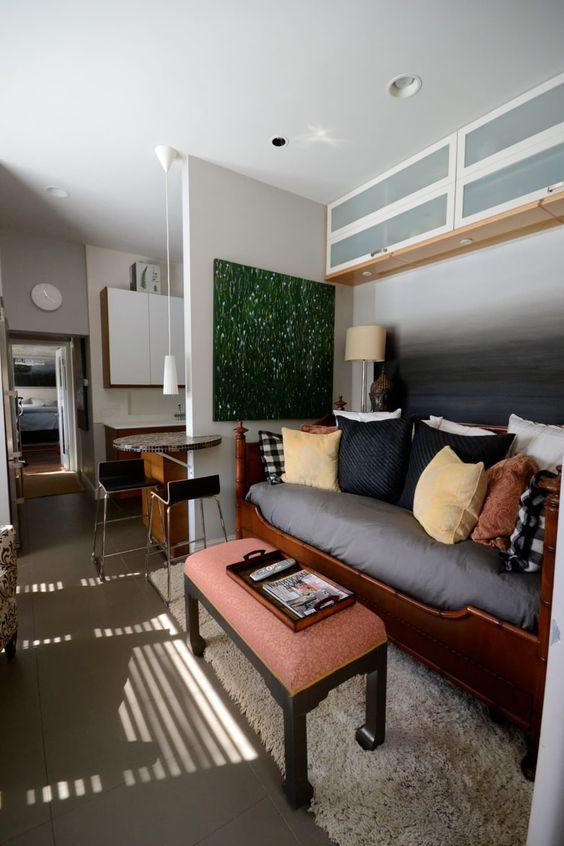 お宅拝見:小さい部屋マニアのインテリア・デザイナーキャレンさんのお宅