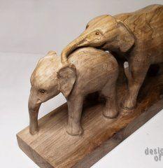 rzeźba z pięknego drewna orzecha włoskiego Igraszki matki