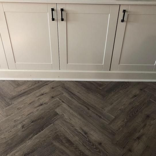Lifeproof Take Home Sample Biscayne Oak Luxury Vinyl Flooring 4 In X 4 In 10 In 2020 Vinyl Flooring Bathroom Luxury Vinyl Flooring Kitchens Luxury Vinyl Flooring