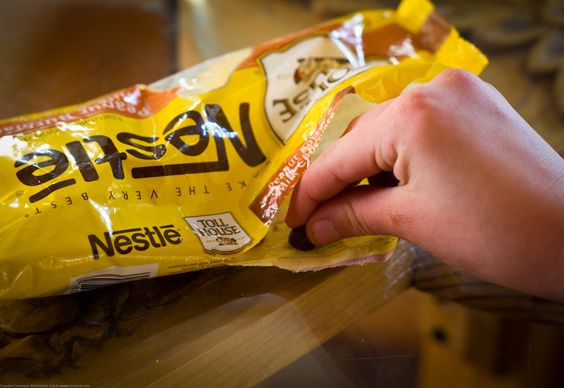 Nestlé Is Working On Some Kind Of Insane Space-Sugar To Fight Obesity - http://modernfarmer.com/2016/12/nestle-working-kind-insane-space-sugar-fight-obesity/?utm_source=PN&utm_medium=Pinterest&utm_campaign=SNAP%2Bfrom%2BModern+Farmer